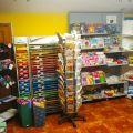 Sprzedam wyposażenie sklepu zabawkowo- papierniczego (regały, towar)
